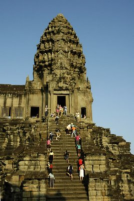 angkor-tower_s